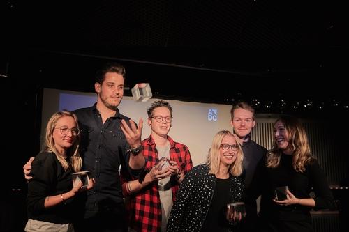 ADC_YCA 2016_Preisverleihung_Die Gewinner Dominique Magnusson, Luca Schneider, Ben Staudenmann, Stephanie Luescher, Lukas Amgwerd, Yaël Kölliker (v.l.n.r.).jpg