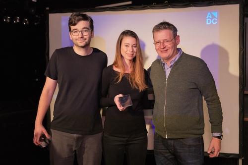ADC_YCA 2016_Preisverleihung_Die Gewinner der Kategorie Film Guenter Zumbach & Cinthia Stettler mit Rudi Haller (Swissfilm Association).jpg